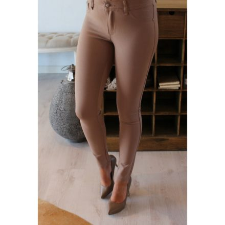 Fremhæv dine former med nye bukser